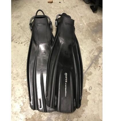 Mares Avanti Quattro, black med bungee straps